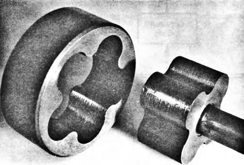 Maslyanyj-nasos-so-sledami-silnogo-iznosa-skoree-vsego-iz-za-silno-zagryaznennogo-motornogo-masla
