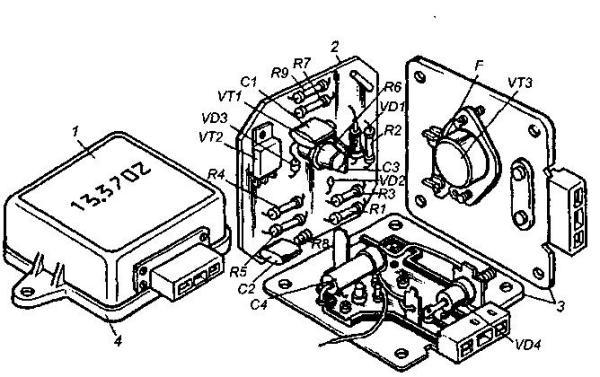 Конструкция регулятора напряжения 13.3702