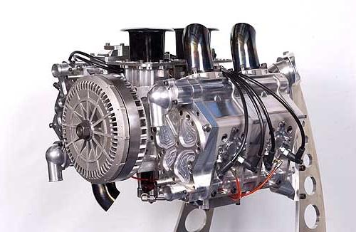 Двигатель, оборудованный интегрированным стартер-генератором